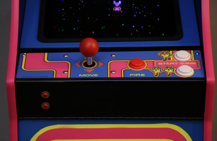 Ms-Pacman-Galaga-detail-controls-1-full