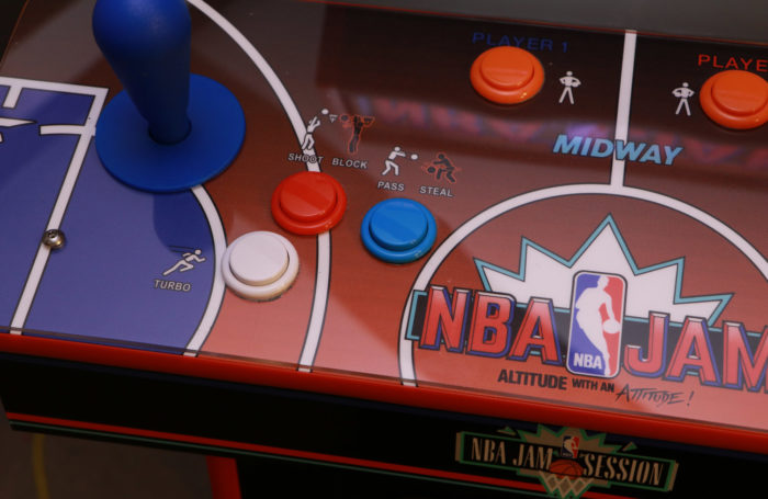 NBA-Jam-CPO-detail-left